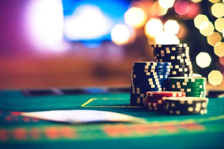 Tips untuk membantu anda dalam bermain poker online.jpg